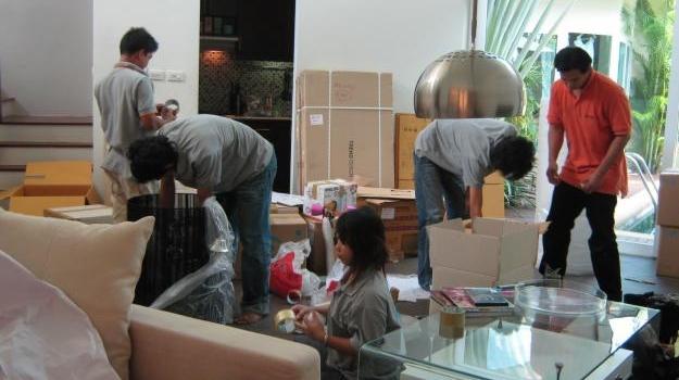 Vận chuyển đồ nội thất, bàn ghế, sofa, tủ – kệ tivi